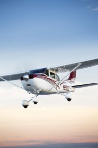 Aerial photography of the Textron Cessna 182 Skylane south of Wichita, KS. Image courtesy of Textron Aviation.